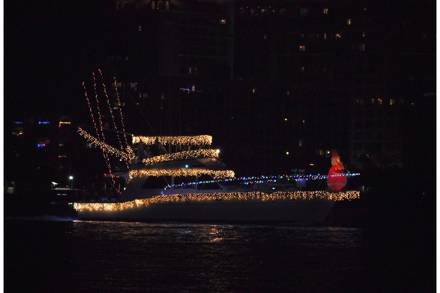 This yacht featured plenty of white and multicolored lights as well as an inflatable Santa at the bow of the boat.