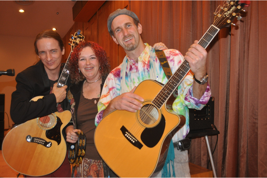 Gathering Time members Glen Roethel, Hillary Foxsong and Stuart Markus traveled from Long Island to share the sounds of the '60s with Longboat Key.