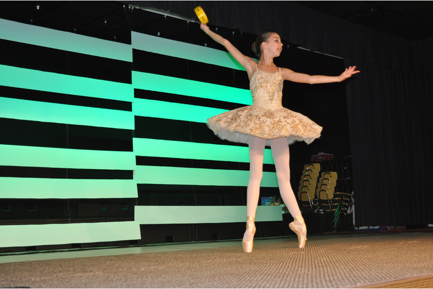 Anna Zimmerman performed ballet.