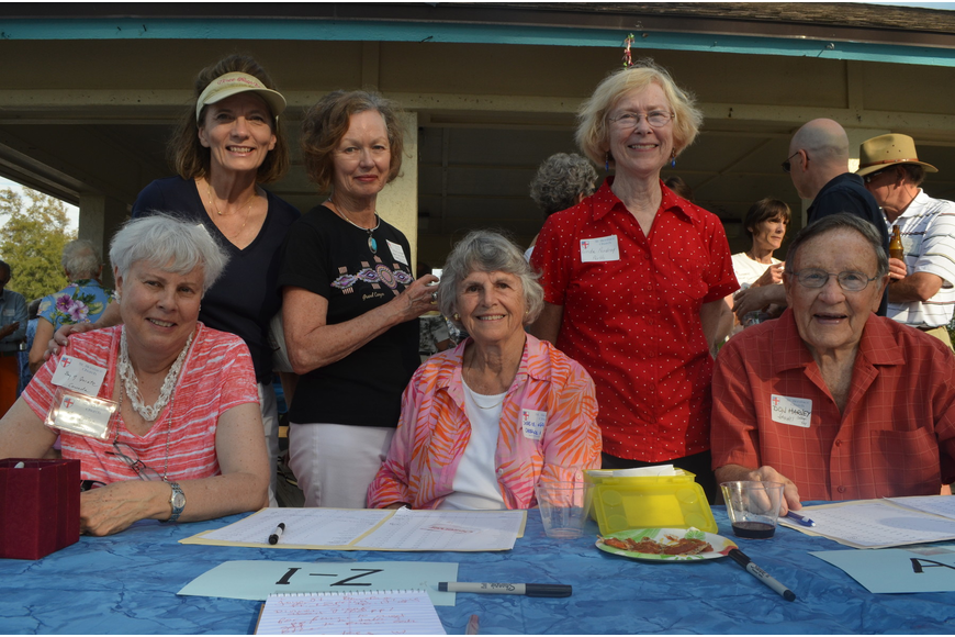 Catherine Scott, Peg Davant, Holley Schroeder, Debbie Harvey, Linda Pendray and Don Harvey