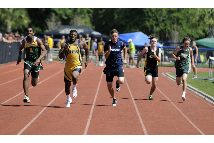 ODA's Joey Runge races down the track in the preliminaries of the 100-meter dash.