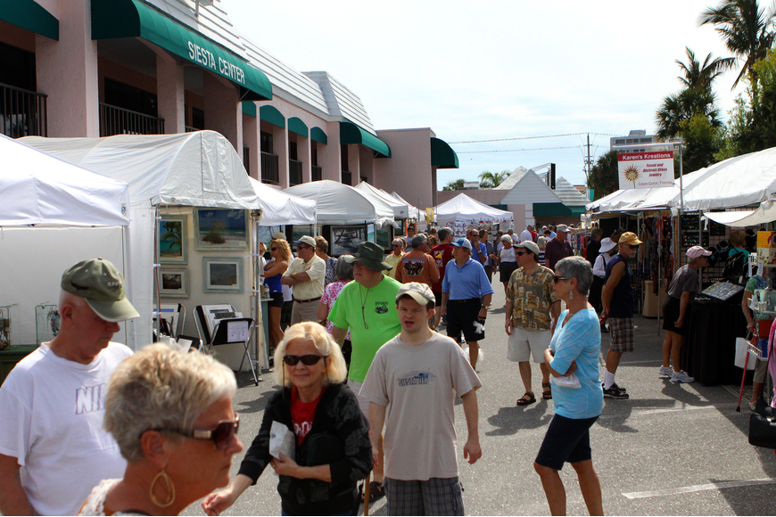 Thousands of people enjoyed walking around the Siesta Key Craft Festival Saturday and Sunday.