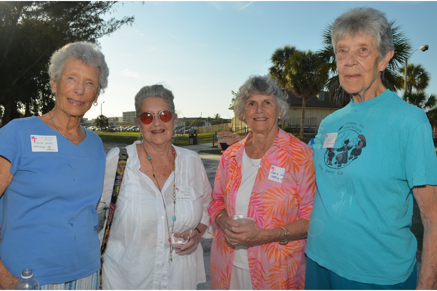 Cynthia Smyth, Beverly Peyser, Debbie Harvey and Winafred Schoeffler