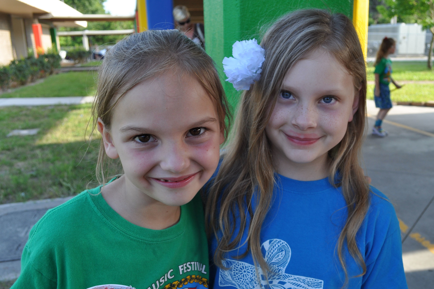 Shaylynn Davis and Maggie Donnelly are in the same third-grade class.