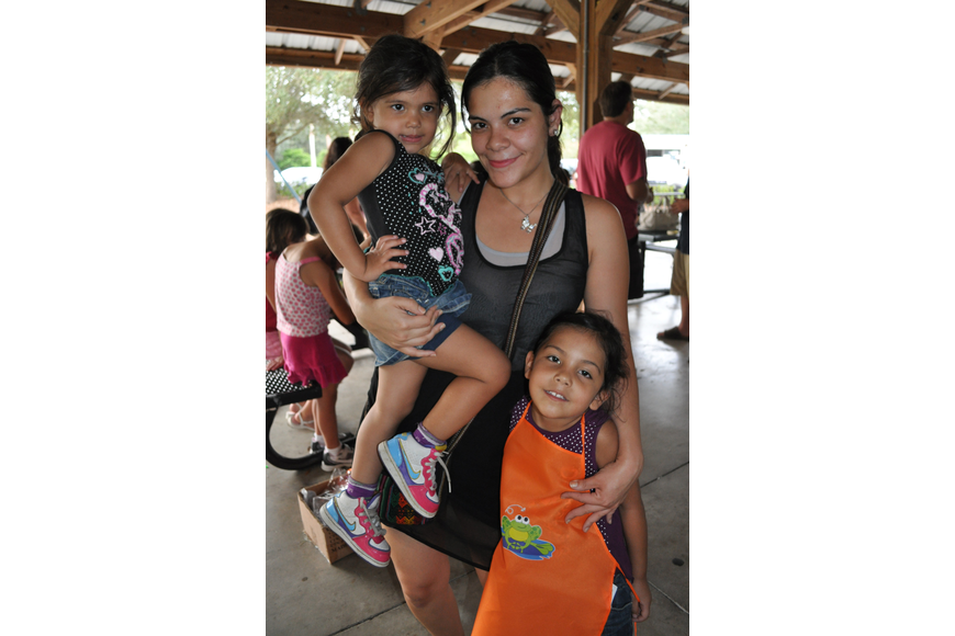 Omaira Acevedo brought her daughters, Jileynna, left, and Xiojaneli, right.