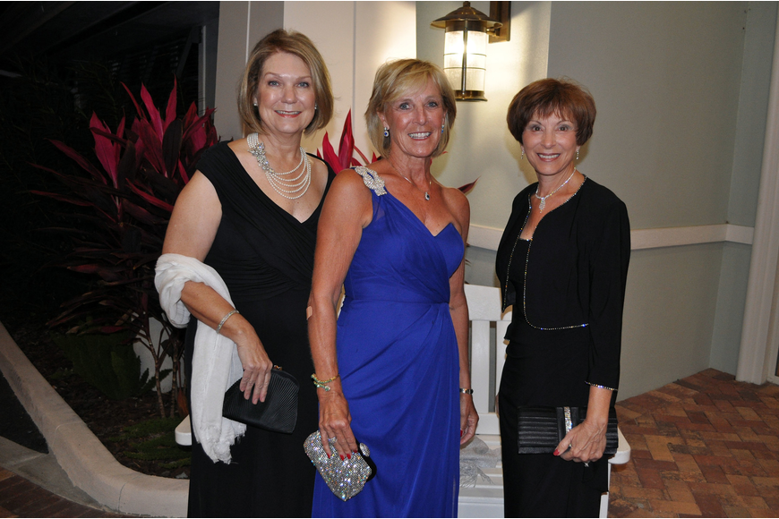 Lynn Hayes, Debbie Dean and Betty Goree