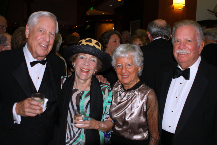 Paul Reamer, Mimi Edlin and Marilyn and Irv Naiditch