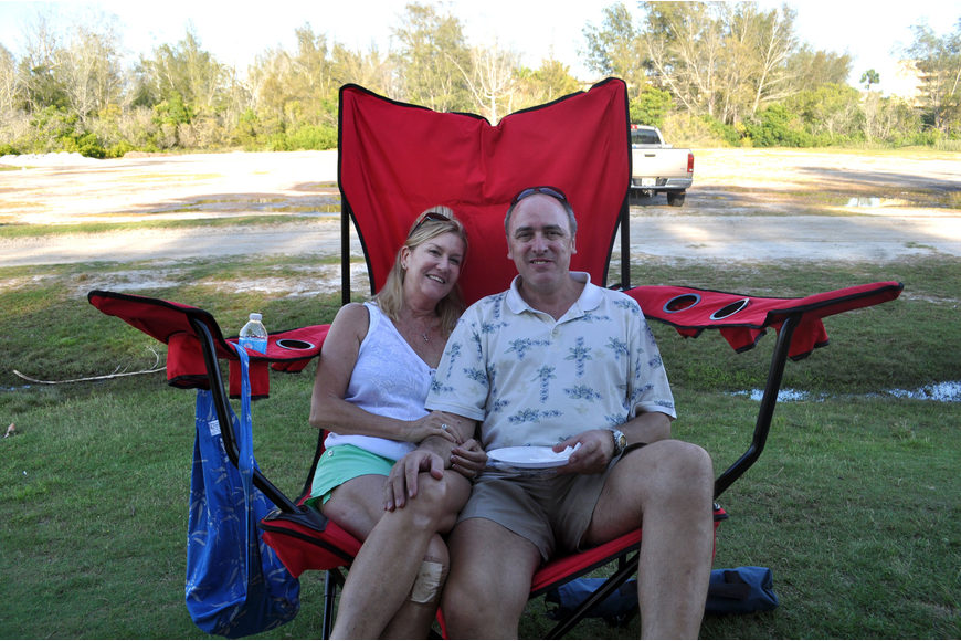 Gerard and Jeanne Ezcurra take a break from the tournament in their oversized lawn chair.
