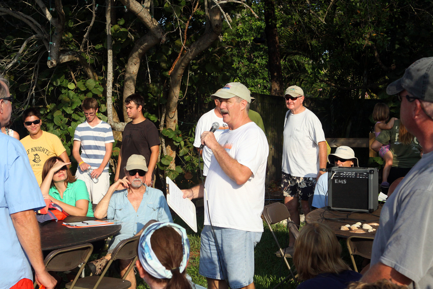 Larry Stults speaks to the over 120 volunteers who came out Saturday, August 13 for the 4th Annual Sarasota Bay Great Scallop Search.